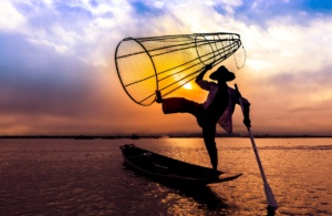 Day-8-Inle-Lake-one-leg-rowers